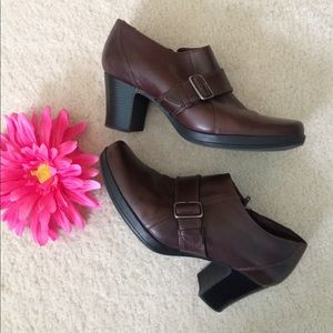 🌼Clarks ankle boots